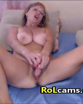 Amateur Blonde Mature Masturbating