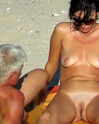 Gorgeous Amateur Nude Beach Voyeur Close Up Pussy