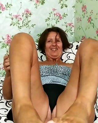 Lukerya feet