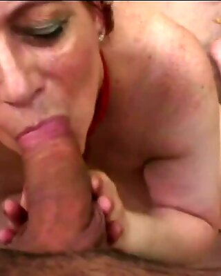 Redhead mature granny sucking and fucking