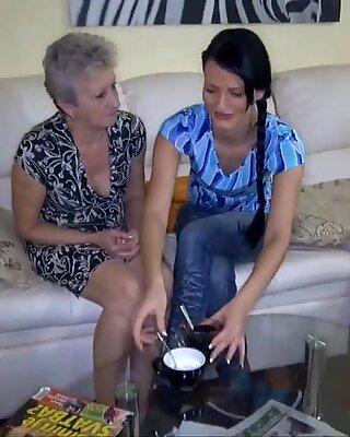 Mature porn lesbian
