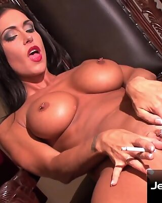 Smoke and Pussy Fingering with Stunning Jessica Jaymes