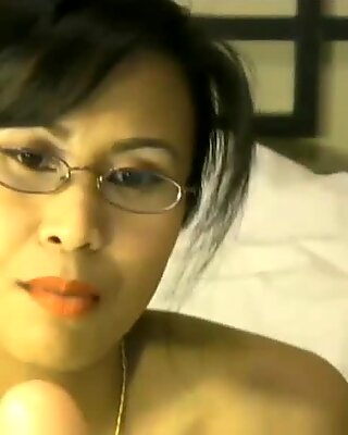 CyberSlut Squirting Asian Cam